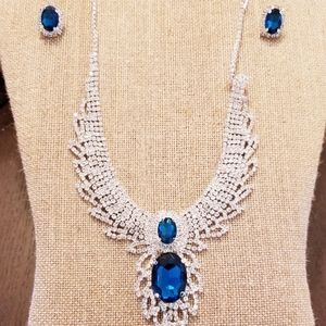 Beautiful Blue & Silver Necklace and Bracelet Set